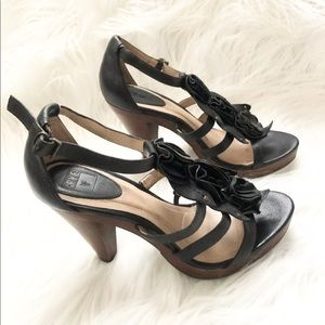 Frye Black Leather Heel Strappy Sandals Size 9